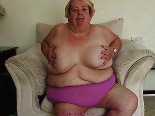krankhaft fettleibige Oma strippt für uns
