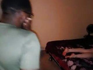 Mandingo-Schwanz lässt Karlee Greys haarigen Muff hart spritzen