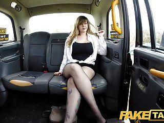 gefälschte Taxi vollbusige Passagier gibt gute Titten wichsen und reitet