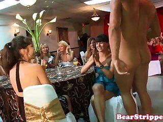 cfnm amateure saugen stripper schwanz auf party