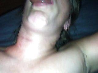 meine frau wurde geil in den mund gefickt und ins gesicht gespritzt