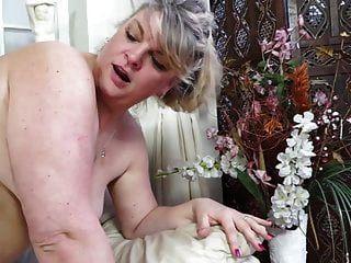Amateur reife Tante bekommt Cuni und harten Sex
