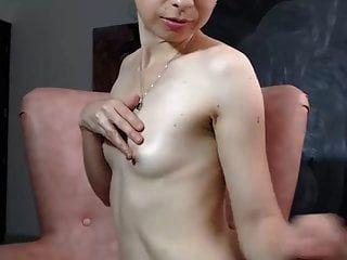Japanische Mama Große Brustwarzen