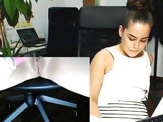 Sekretärin masturbiert in ihrem Büro, während andere arbeiten