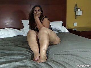 laura hernandez mexican bbw große beine