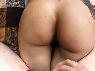 russische paar ruhen und ficken am fluss