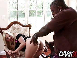 jessi volt bekommt ihren arsch gegessen und von einem schwarzen mann gefickt
