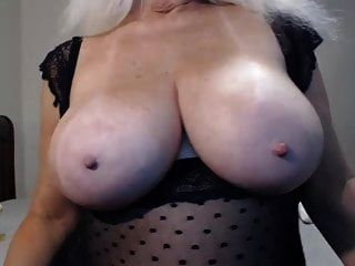 busty gilf joi und cremiges dildoing
