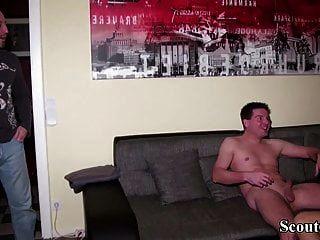 deutscher mann fing frau mit jungen und fing an 3some