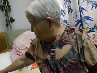 asiatische 70+ Oma
