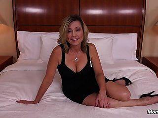 sexy natürlichen Titten Knackarsch Amateur MILF gefickt POV