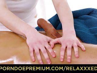 relaxxxed öliger fick auf dem massagetisch mit ela nek
